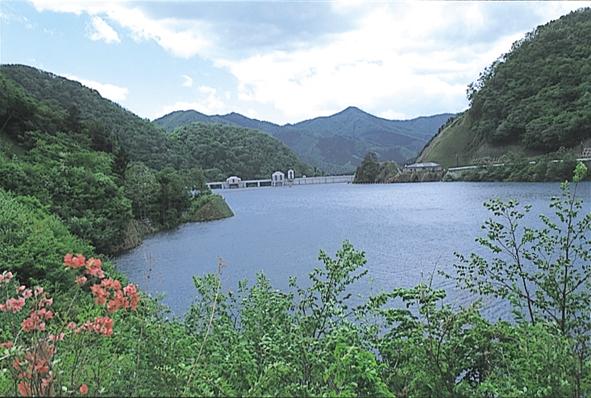 奥四万湖1.jpg